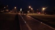 San Nicolò d'Arcidano: visione notturna di piazza Regina della Pace – Foto di Sardegna Terra di Pace – Tutti i diritti riservati