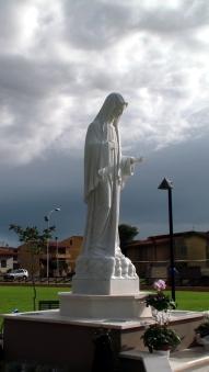 San Nicolò d'Arcidano: prospetto laterale destro della statua – Foto di Sardegna Terra di Pace – Tutti i diritti riservati