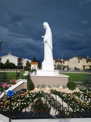 San Nicolò d'Arcidano: prospetto laterale sinistro della statua – Foto di Sardegna Terra di Pace – Tutti i diritti riservati
