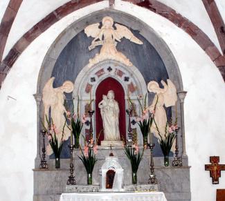 Santuario: Altare e Statua della Madonna di Gonare