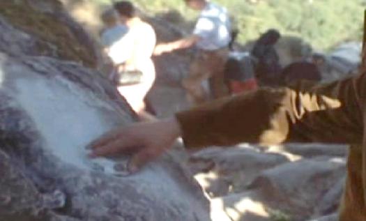 Tradizione: pietra con incavo dove la Vergine si era fermata