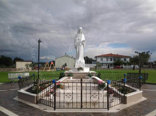 """San Nicolò d'Arcidano: statua della """"Regina della Pace"""" - Foto di Sardegna Terra di Pace - Tutti i diritti riservati"""