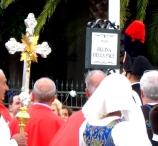 San Nicolò d'Arcidano: targa di piazza Regina della Pace – Foto di Sardegna Terra di Pace – Tutti i diritti riservati