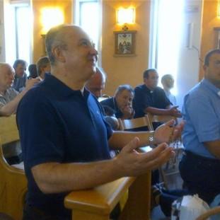 Medjugorje: Ivan durante l'apparizione dell'8 Agosto 2013 - Foto di Radio Maria - Tutti i diritti riservati