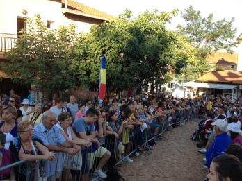 Apparizione 2 Agosto 2013: pellegrini in attesa – Foto di Gospodine – Tutti i diritti riservati