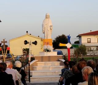 San Nicolò d'Arcidano: statua della Regina della Pace (2) – Foto di Sardegna Terra di Pace – Tutti i diritti riservati