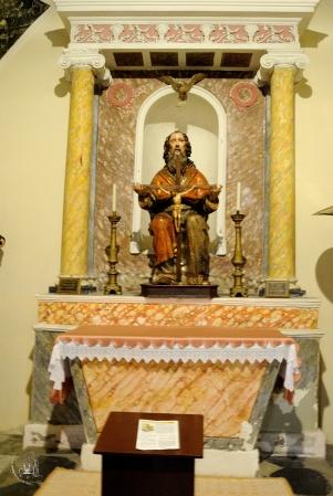 Galtellì: statua della SS. Trinità - Foto di Sardegna Terra di Pace - Tutti i diritti riservati