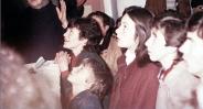 I veggenti durante l'apparizione (4) – Foto di Sardegna Terra di Pace – Tutti i diritti riservati