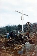 Preghiera sulla Collina delle Apparizioni (3) – Foto di Sardegna Terra di Pace – Tutti i diritti riservati