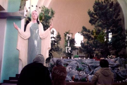 Medjugorje, Capodanno 1983: prima statua della Gospa – Foto di Sardegna Terra di Pace – Tutti i diritti riservati