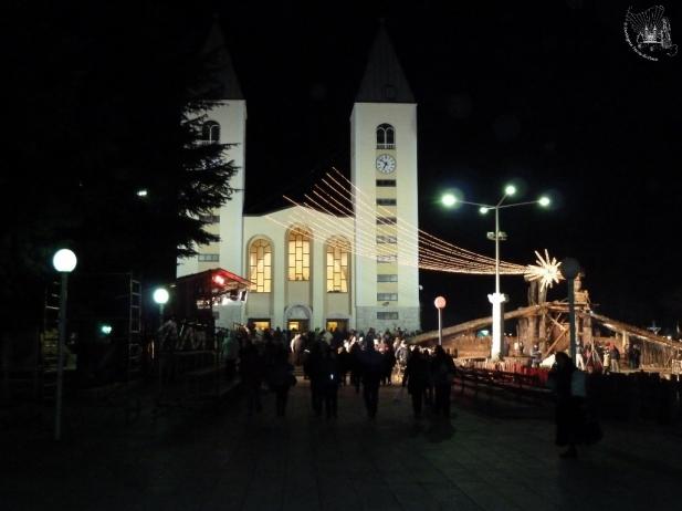 Medjugorje: veduta nottura della Chiesa di San Giacomo Apostolo (Natale 2010) – Foto di Sardegna Terra di Pace – Tutti i diritti riservati