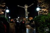 Medjugorje: veduta notturna del Cristo Risorto (2) – Foto di Sardegna Terra di Pace – Tutti i diritti riservati