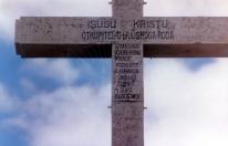Medjugorje: scritta sulla Croce del Križevac – Foto di Sardegna Terra di Pace – Tutti i diritti riservati