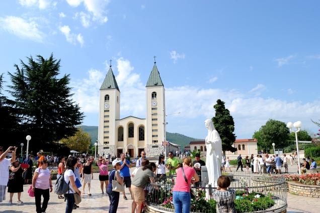 Medjugorje: chiesa di San Giacomo Apostolo (2) - Foto di Sardegna Terra di Pace - Tutti i diritti riservati