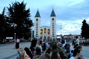 Medjugorje: chiesa di San Giacomo Apostolo (3) - Foto di Sardegna Terra di Pace - Tutti i diritti riservati