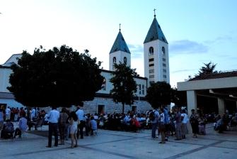 Medjugorje: chiesa di San Giacomo Apostolo (4) - Foto di Sardegna Terra di Pace - Tutti i diritti riservati