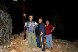 Medjugorje: via Crucis alle tre di notte sul Križevac – Foto di Sardegna Terra di Pace – Tutti i diritti riservati