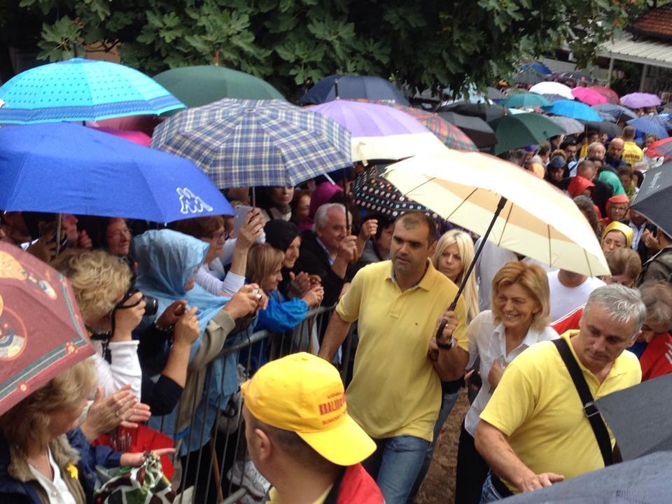 Mirjana Raggiunge La Croce Blu Per L Apparizione Del 2