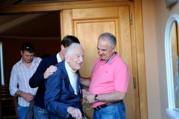 Medjugorje, Esaltazione della Croce 2014: Ivan Dragicevic e il noto mariologo René Laurentin – Foto di Sardegna Terra di Pace – Tutti i diritti riservati