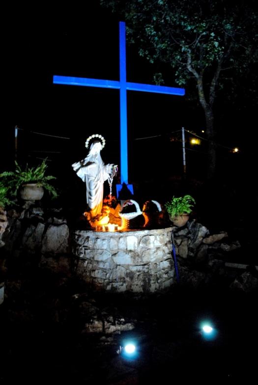 Medjugorje, Esaltazione della Croce 2014: la Croce Blu – Foto di Sardegna Terra di Pace – Tutti i diritti riservati