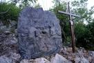 Medjugorje, Esaltazione della Croce 2014: formella sul Križevac (terza caduta) – Foto di Sardegna Terra di Pace – Tutti i diritti riservati