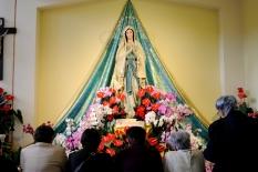Medjugorje, Esaltazione della Croce 2014: Madonna di Lourdes all'interno della Chiesa di San Giacomo – Foto di Sardegna Terra di Pace – Tutti i diritti riservati