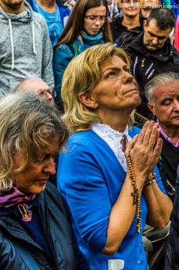 Mirjana durante l'apparizione del 2 Ottobre 2014 - Foto di Mateo Ivanković – Tutti i diritti riservati