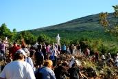 Medjugorje, Esaltazione della Croce 2014: pellegrini presso il Podbrdo (3) - Foto di Sardegna Terra di Pace – Tutti i diritti riservati