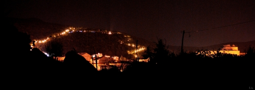 Medjugorje, Esaltazione della Croce 2014: veduta notturna della collina delle apparizioni – Foto di Sardegna Terra di Pace – Tutti i diritti riservati
