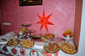 Medjugorje, Capodanno 2015: dolci (2) – Foto di Sardegna Terra di pace – Tutti i diritti riservati