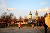 Medjugorje, Capodanno 2015: spazio retrostante la Chiesa di San Giacomo – Foto di Sardegna Terra di pace – Tutti i diritti riservati