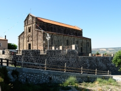 Basilica Nostra Signora del Regno: Veduta esterna della Chiesa (3) – Foto di Sardegna Terra di Pace – Tutti i diritti riservati