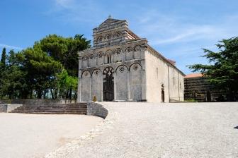 Basilica San Pietro di Sorres: Veduta esterna della Chiesa (3) – Foto di Sardegna Terra di Pace – Tutti i diritti riservati