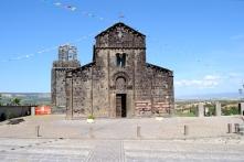 Basilica Nostra Signora del Regno: Veduta esterna della Chiesa (4) – Foto di Sardegna Terra di Pace – Tutti i diritti riservati