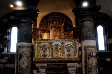 Basilica Nostra Signora del Regno: Pulpito – – Foto di Sardegna Terra di Pace – Tutti i diritti riservati