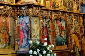 Basilica Nostra Signora del Regno: Particolare del retablo maggiore, il secondo da sinistra è San Nicolò Vescovo – Foto di Sardegna Terra di Pace – Tutti i diritti riservati