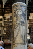 Basilica Nostra Signora del Regno: Una delle sedici colonne affrescate – Foto di Sardegna Terra di Pace – Tutti i diritti riservati