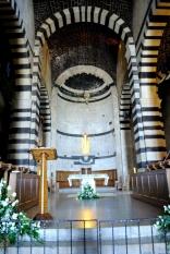 Basilica San Pietro di Sorres: Interno della Basilica (3) – Foto di Sardegna Terra di Pace – Tutti i diritti riservati