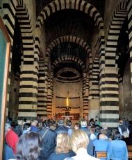 Basilica San Pietro di Sorres: Interno della Basilica – Foto di Sardegna Terra di Pace – Tutti i diritti riservati