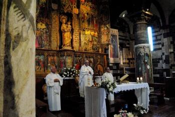 Basilica Nostra Signora del Regno: Un momento della Santa Messa – Foto di Sardegna Terra di Pace – Tutti i diritti riservati