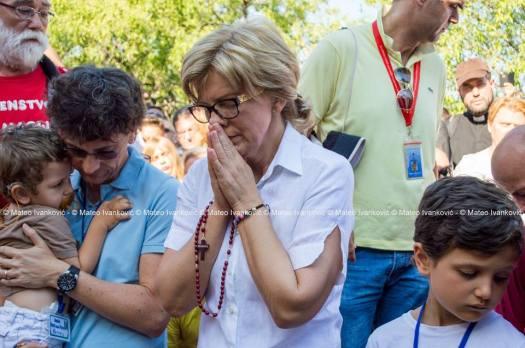 Medjugorje: Mirjana durante l'apparizione del 2 Luglio 2015 - Foto di Mateo Ivanković – Tutti i diritti riservati