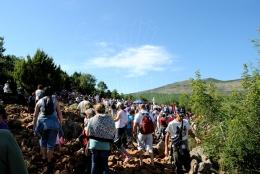 Medjugorje, Anniversario 2015: Podbrdo – Foto di Sardegna Terra di Pace – Tutti i diritti riservati