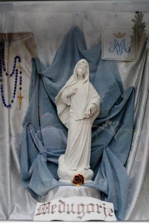 Medjugorje, Anniversario 2015: statua Regina della Pace – Foto di Sardegna Terra di Pace – Tutti i diritti riservati