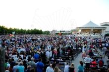 Medjugorje, Anniversario 2015: Altare esterno – Foto di Sardegna Terra di Pace – Tutti i diritti riservati