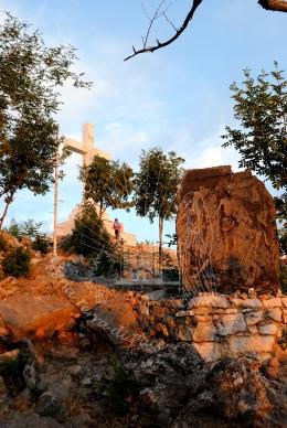 Medjugorje, Anniversario 2015: cima del monte Krizevac – Foto di Sardegna Terra di Pace – Tutti i diritti riservati