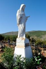 Medjugorje, Mladifest 2015: Statua Regina della Pace sul Podbrdo – Foto di Sardegna Terra di pace – Tutti i diritti riservati