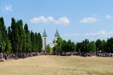 Medjugorje, Mladifest 2015: Spazio retrostante la Chiesa – Foto di Sardegna Terra di pace – Tutti i diritti riservati