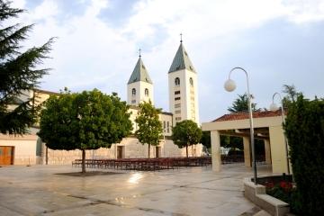 Medjugorje, B.V.M. Assunta 2015: Chiesa di san Giacomo (3) – Foto di Sardegna Terra di pace – Tutti i diritti riservati