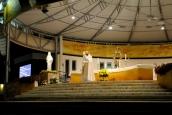 Medjugorje, Esaltazione della Croce 2015: Adorazione Eucaristica (3) – Foto di Sardegna Terra di pace – Tutti i diritti riservati