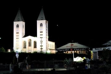 Medjugorje, Esaltazione della Croce 2015: Chiesa di San Giacomo Apostolo (5) – Foto di Sardegna Terra di pace – Tutti i diritti riservati